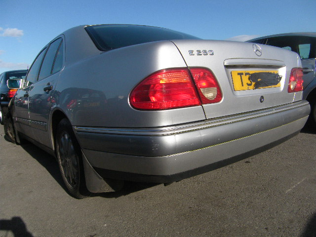 Breaking MERCEDES E280, E280 ELEGA Secondhand Parts